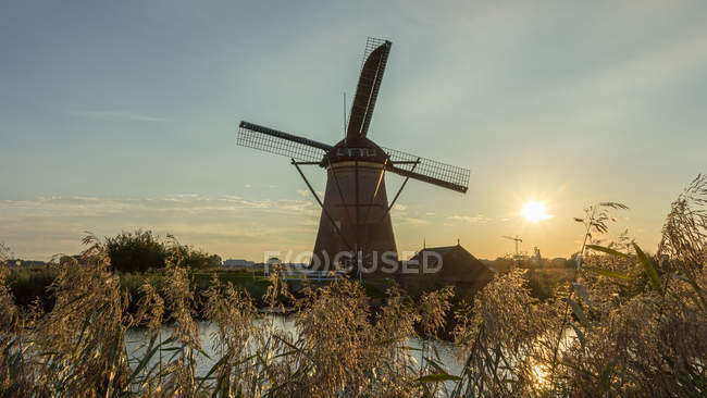 View on Windmill at sunset — Stock Photo