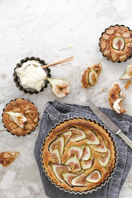 Fig and almond tart — Stock Photo