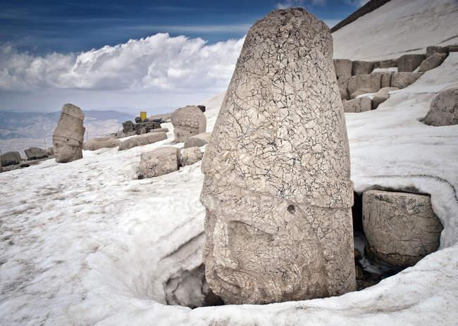 Stone carvings at Nemrut Dagi — Stock Photo