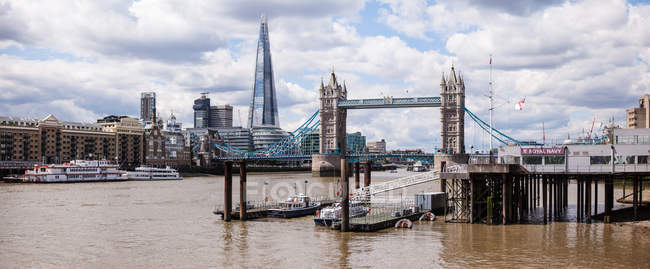 Vista de Shard, Tower Bridge e rio Tamisa — Fotografia de Stock