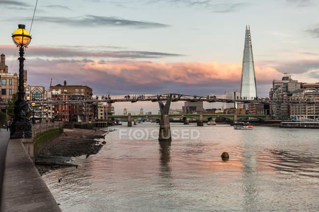 Vue du pont Millennium — Photo de stock