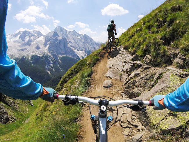 Men mountain biking — Stock Photo