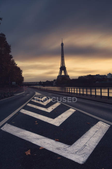 Silhouette of Eiffel Tower — Stock Photo