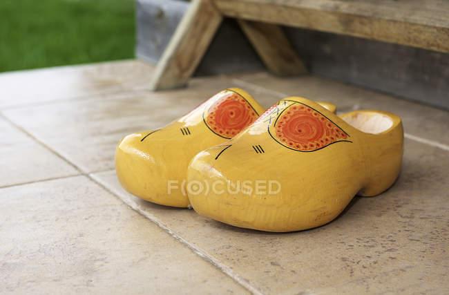 grande vendita de85f 498f7 Tradizionali zoccoli di legno olandesi — in legno, Affitto ...