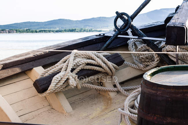 Ropes and anchor on ship — Stock Photo