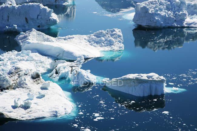 Scenic view of icebergs in Disco Bay, Ilulissat, Greenland — Stock Photo