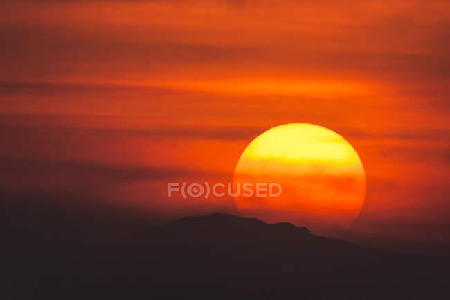 Coucher de soleil majestueux sur les montagnes Rocheuses, Colorado, Amérique, USA — Photo de stock