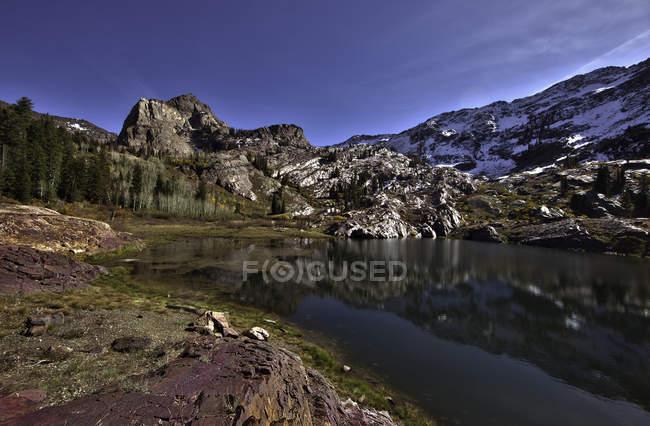 Malerische Aussicht auf den schönen See Blanche, Usa, Utah, Salt Lake County, Lake Blanche Trail — Stockfoto