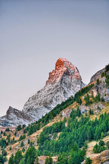 Belle vue sur la montagne du Cervin à l'aube, Zermatt, Suisse — Photo de stock