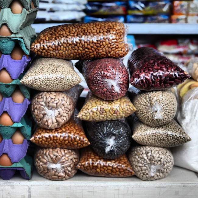 Varie specie di fagioli, Brasile, Amazzoni — Foto stock