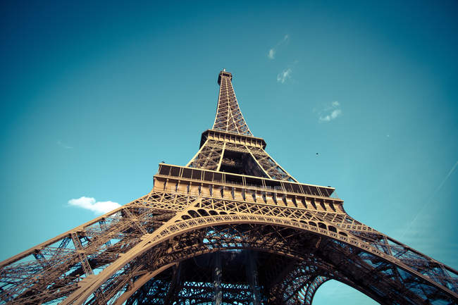 Low-angle view of Eiffel Tower, Paris, France — Stock Photo
