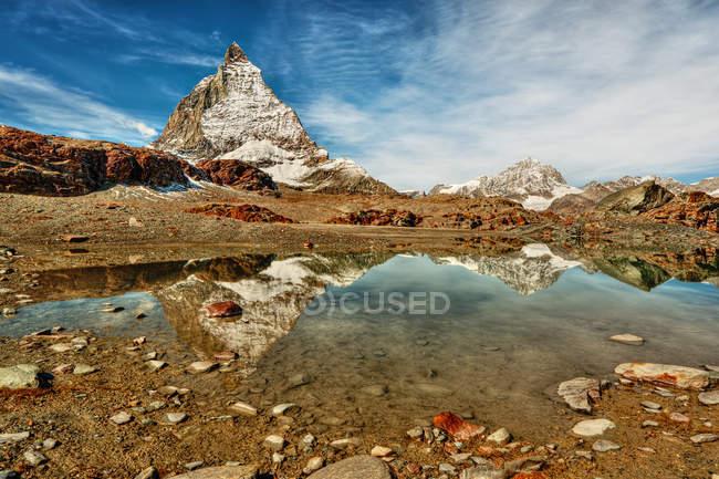 Vista panorámica del paisaje de la montaña Matterhorn, Zermatt, Suiza - foto de stock