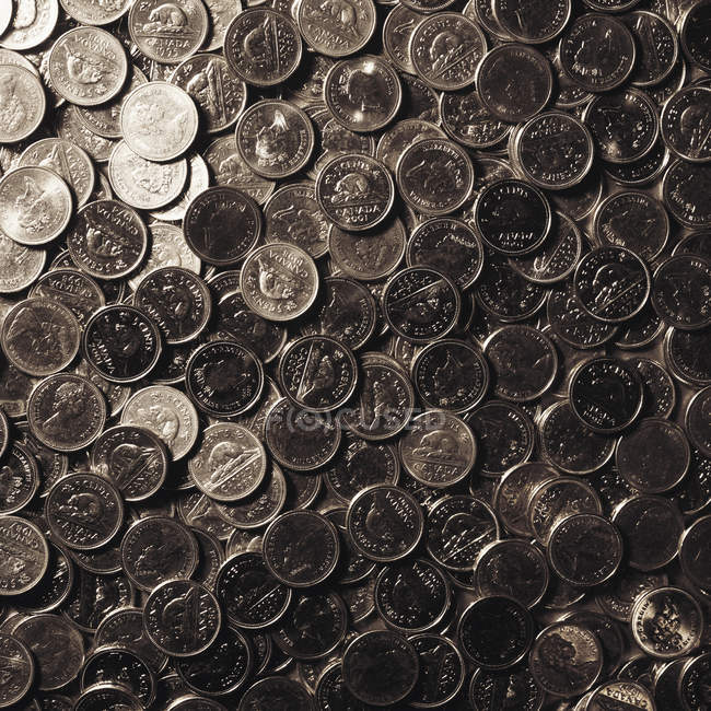 Vista superiore del grande mucchio di monetine canadese — Foto stock