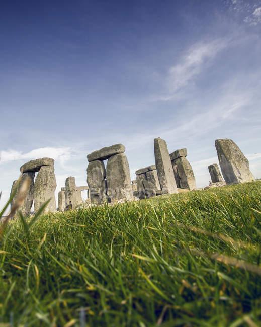Vue panoramique sur le majestueux stonehenge, Wiltshire, Angleterre, Royaume-Uni — Photo de stock