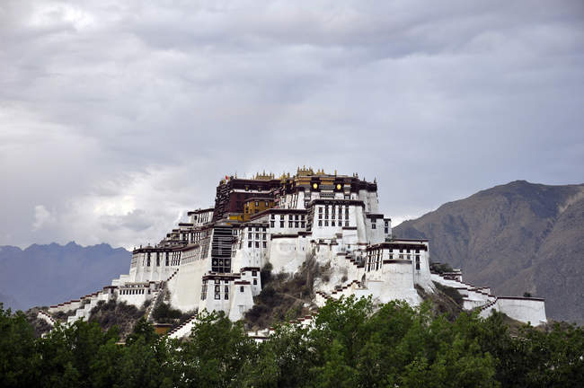 China, Tibet, Lhasa, Potala Place — Stock Photo