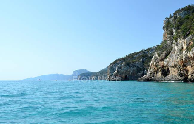 Bella vista della costa a Cala Luna, Sardegna, Italia — Foto stock