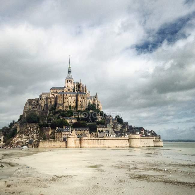 Vue panoramique du Mont Saint-Michel, Normandie, France — Photo de stock
