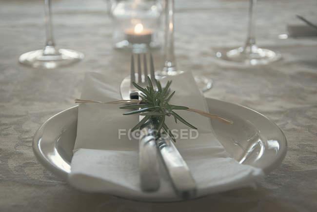 Detailansicht der Tischdekoration für die Feier — Stockfoto