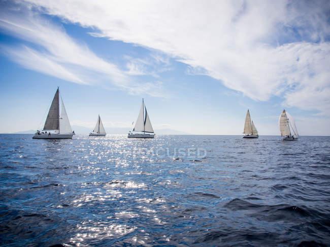 Scenic view of yacht race, Thassos, Greece — Stockfoto
