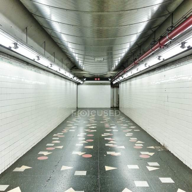 Métro station corridor, Usa, état de New York, New York City — Photo de stock