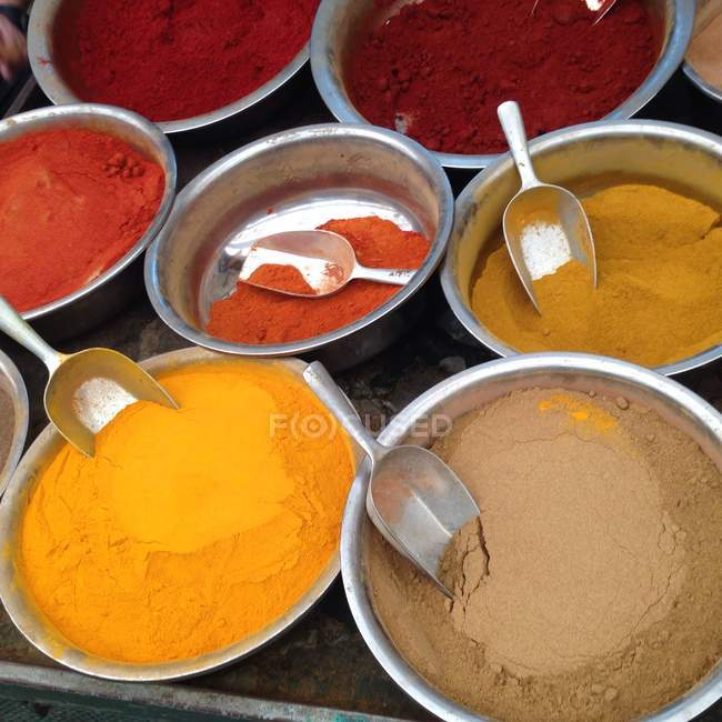 Closeup view of Assorted spices at market — Stockfoto