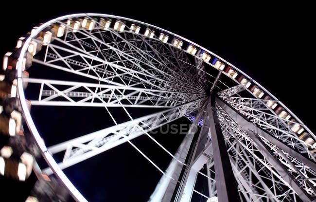 Чортове колесо вночі, United Королівство Англія, Лондон — стокове фото