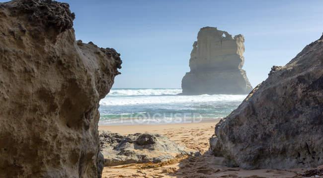 Vue fascinante sur les formations rocheuses dans la mer, Princetown, Victoria, Australie — Photo de stock