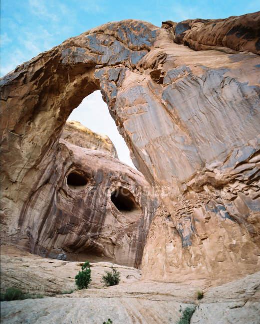 Vista panorámica de Corona Arch, Utah, América, EE.UU. - foto de stock