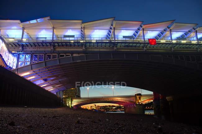 Мальовничий вид на Blackfriars мостів, Лондон, Великобританія — стокове фото