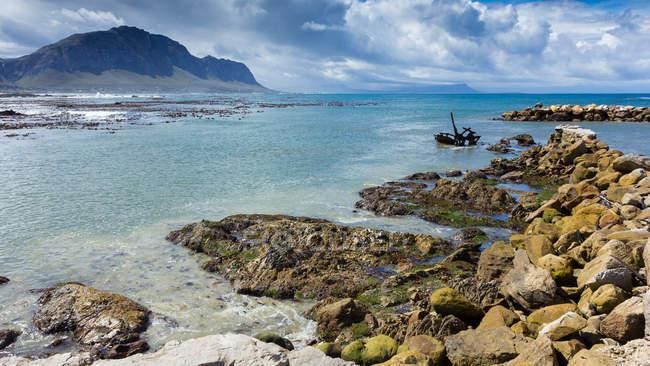 Vista panorâmica da costa no bettys bay, Western Cape, África do Sul — Fotografia de Stock