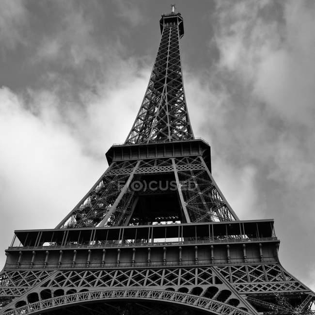 Low angle view of Eiffel Tower in monochrome, Paris, France — Stock Photo