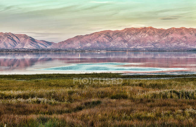 Malerische Aussicht auf den berühmten Salzsee bei Salt Lake County, Utah, Usa — Stockfoto