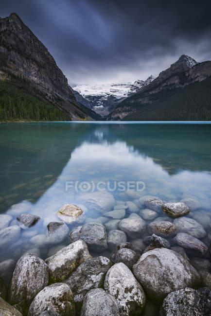Vue panoramique sur le lac Louise, Banff, Alberta, Canada — Photo de stock