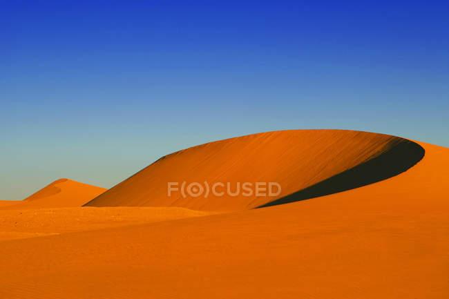 Живописный вид песчаных дюн в пустыне, Sossusvlei, Намибия — стоковое фото