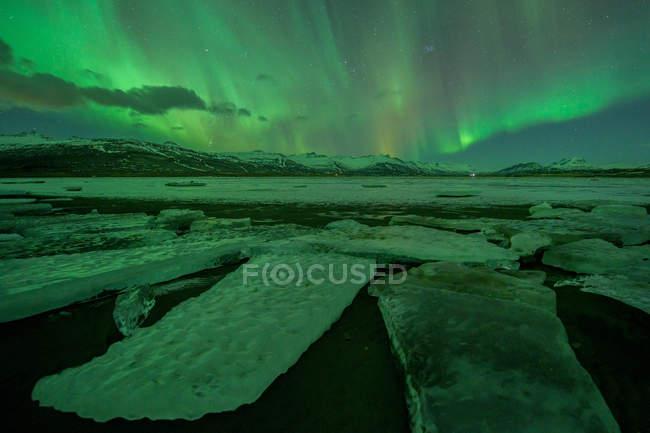 Northern lights, Jokulsarlon lagoon, Iceland — Stock Photo
