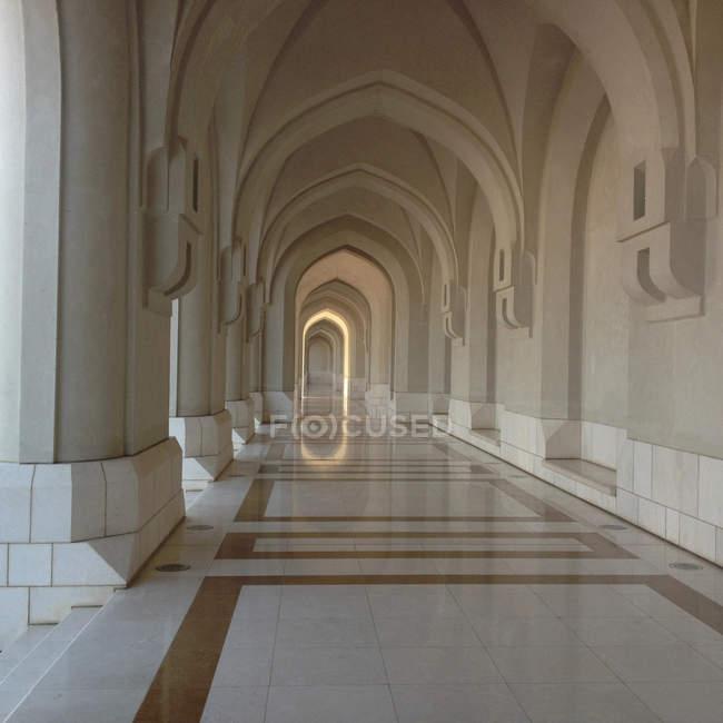 Archi del Palazzo del sultano, Oman, Muscat — Foto stock