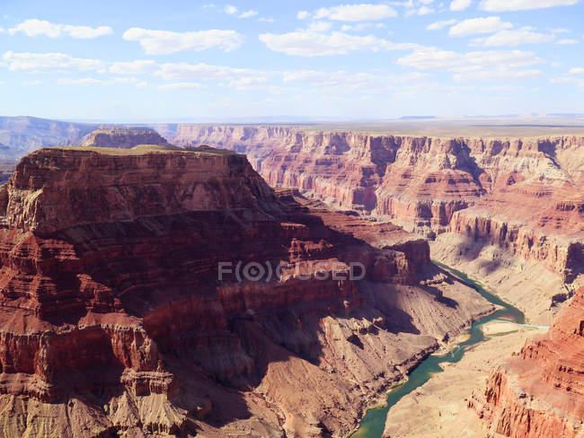 Підвищені подання з річки в долині, Гранд-Каньйон, Арізона, США — стокове фото