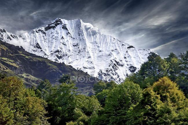 Vista panoramica della catena montuosa dell'Himalaya, Nepal — Foto stock