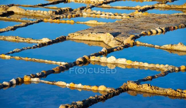 Malta, Gozo Island, scenic view of salinas — Stockfoto