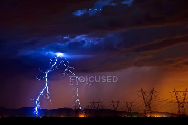 Lightning striking high voltage power lines, Tonopah, Arizona, America, USA — Stock Photo