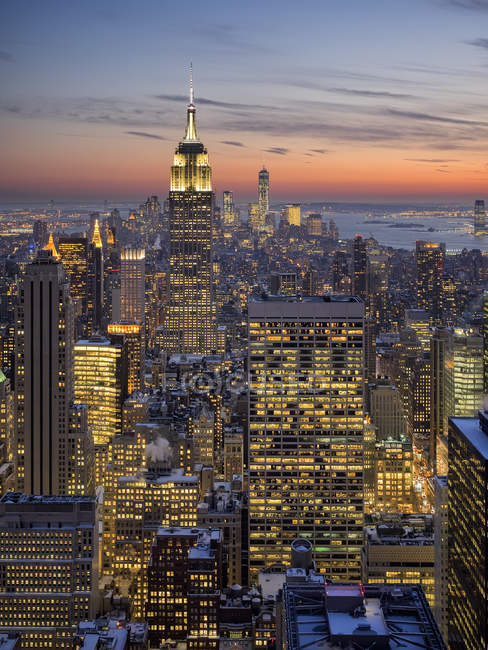 Vista panoramica dello skyline di Manhattan di notte, New York, Stati Uniti — Foto stock