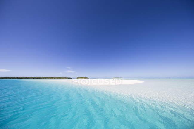 Vue panoramique sur la plage tropicale, îles Cook, Pacifique Sud — Photo de stock