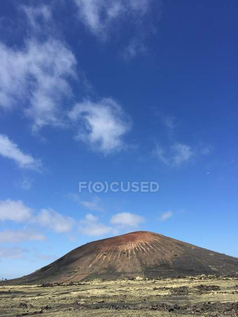 Scenic view of majestic volcano, Lanzarote, Canary Islands, Spain — Stock Photo