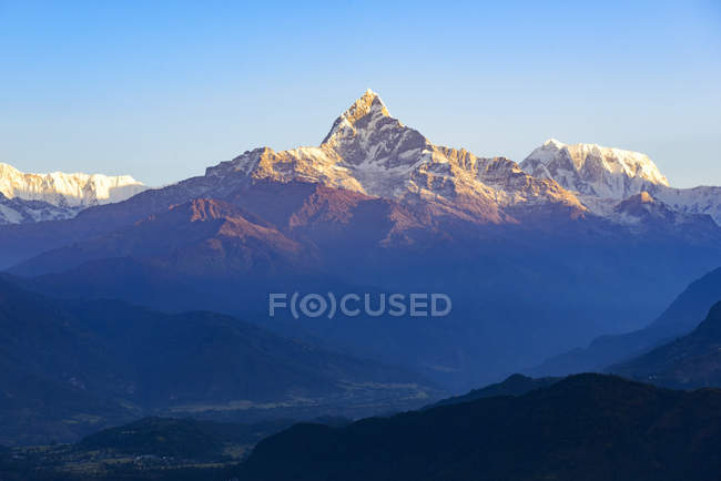 Vista panorámica del Ama Dablam montaña, Himalaya, Nepal - foto de stock