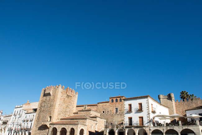 Vista panorámica de la plaza mayor, Cáceres, Extremadura, España - foto de stock