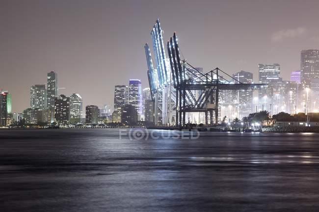 Vista panoramica del porto durante la notte, Miami Beach, Miami, Florida, Stati Uniti — Foto stock
