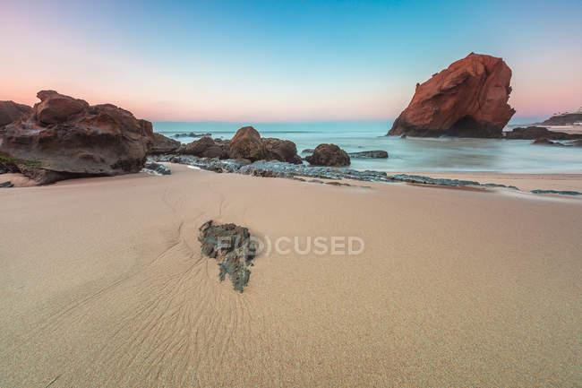 Portugal, praia de Santa Cruz, vista panorâmica de Penedo fazer praia do Guincho — Fotografia de Stock