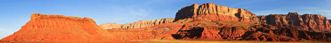 Vista panorámica de Vermillion Cliffs, Arizona, EE.UU. - foto de stock