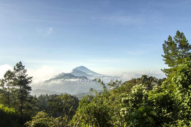 Indonesien, Bali, malerischen Blick auf Mt Agung und Mt Batur — Stockfoto