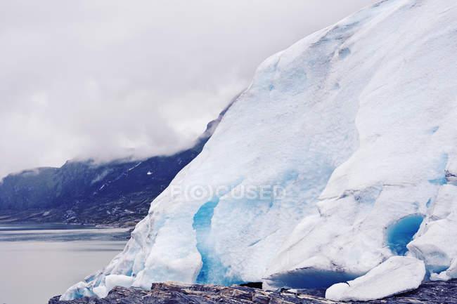 Schöne Aussicht auf große Gletscher in Norwegen — Stockfoto